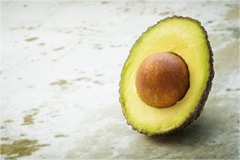 Cetogene vegane Avocado-Diät